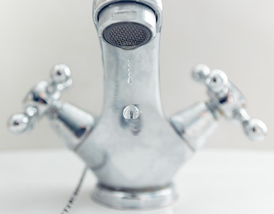 Woda pozbawiona żelaza, manganu, azotanów, związków organicznych i jonu amonowego