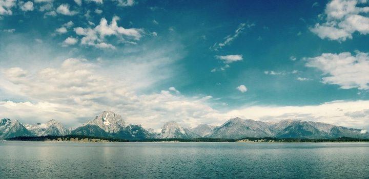 góry na tle morza