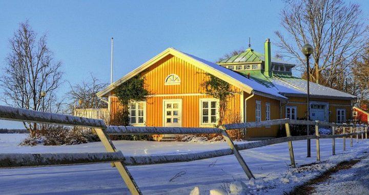 kolumna węglowa Ecoperla Carbotower w domu